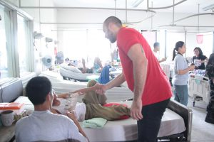 Phoenix Fuel Masters visit injured Marawi soldiers