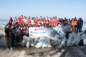 Phoenix participates in coastal clean up in Baywalk, Roxas Blvd