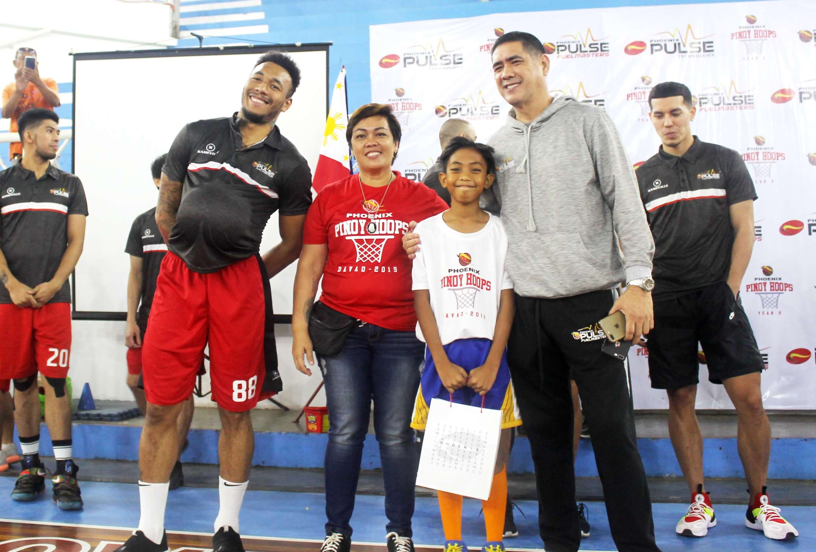 Coach Louie Alas and Abueva gives the best in footwork award