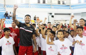 Phoenix PULSE Fuel Masters Basketball Camp - Abueva with kids