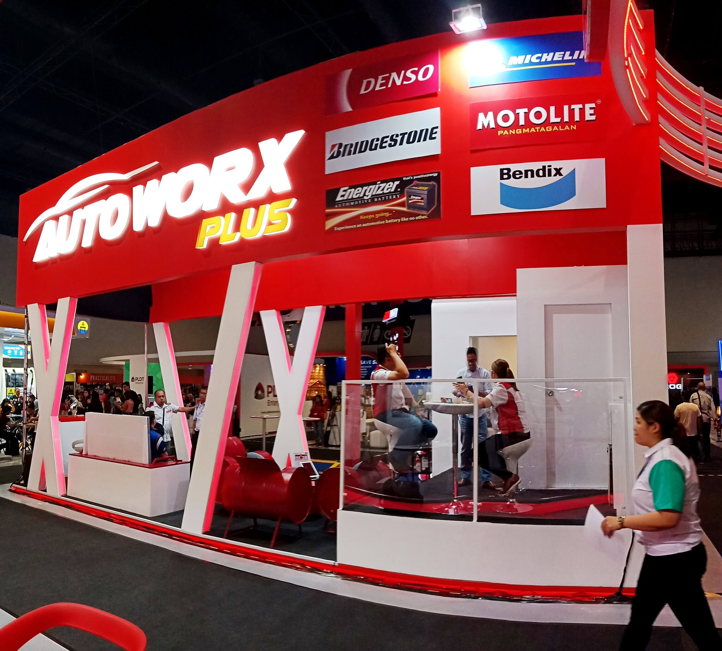 Phoenix Autoworx Plus booth at Franchise Asia Philippines 2019