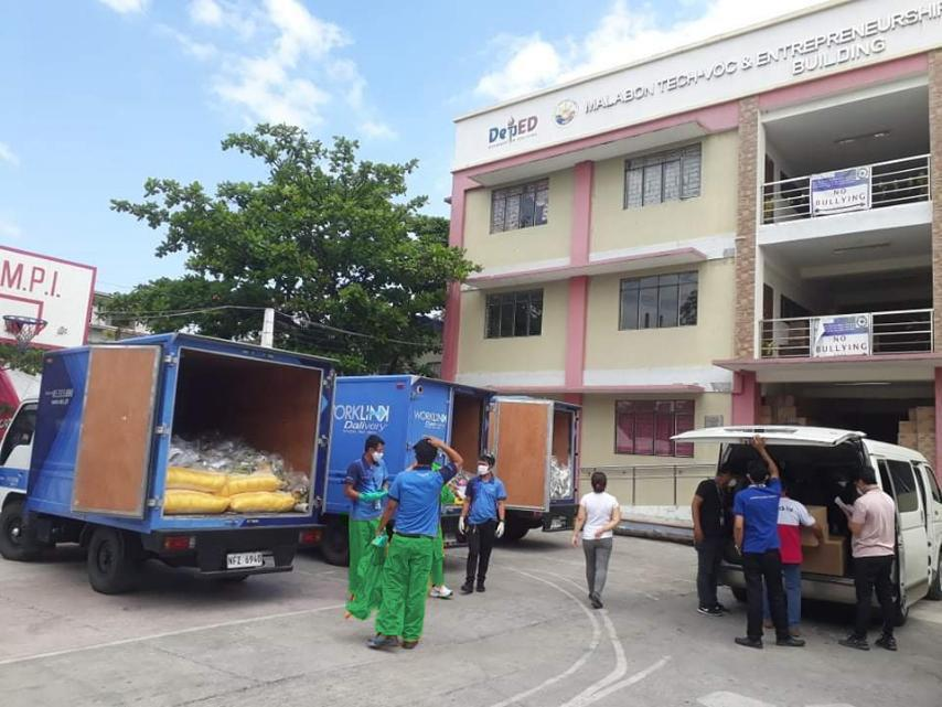 3-30 Chelsea Group, Phoenix and Udenna Foundation answer Batangas farmers' call for assistance (1)