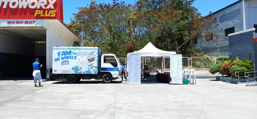 FamilyMart launches rolling stores, to offer delivery service