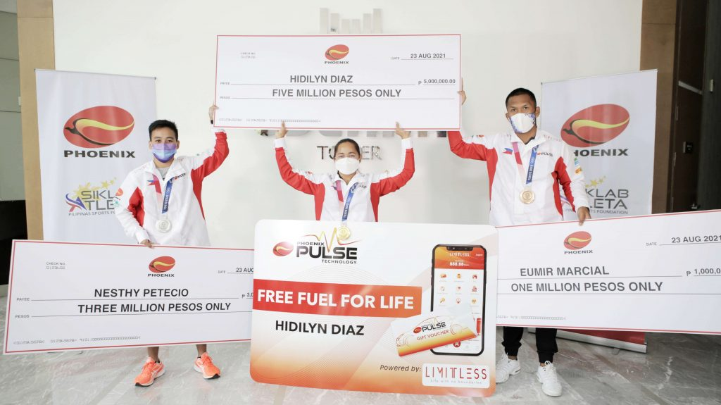 Hidilyn Diaz, 3 other Olympic medalists receive Phoenix incentives