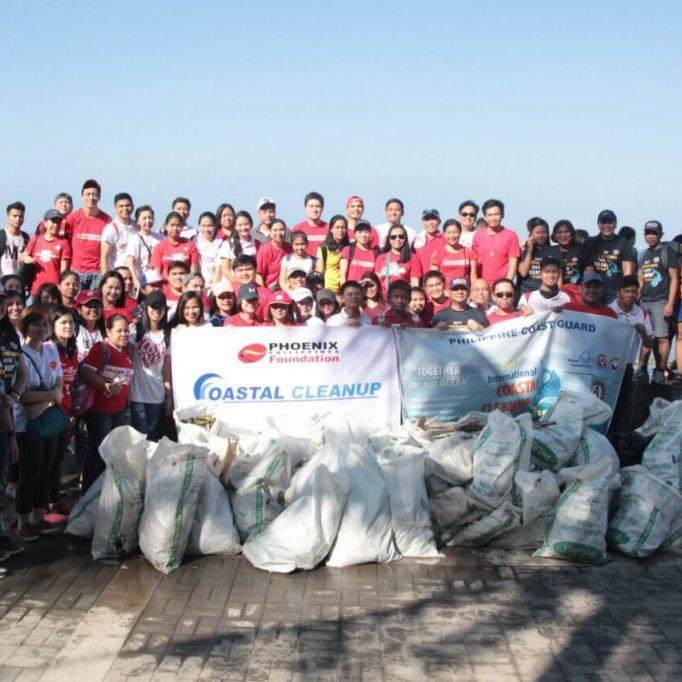 Phoenix participates in coastal clean up in Baywalk, Roxas Blvd